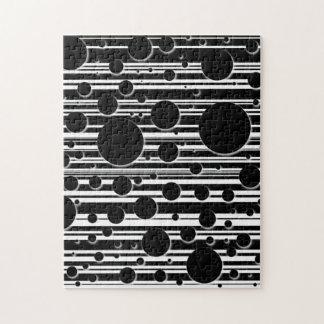 Schwarzweiss-Punkte und Streifen Puzzle