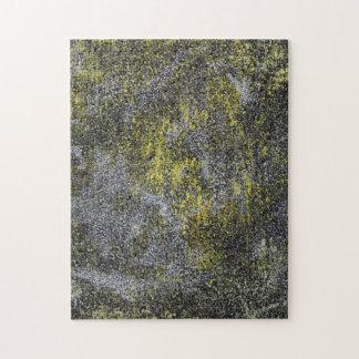 Schwarzweiss-Tinte auf gelbem Hintergrund Puzzle