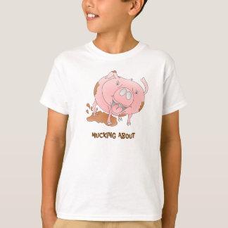 Schwein im Schlamm T-Shirt