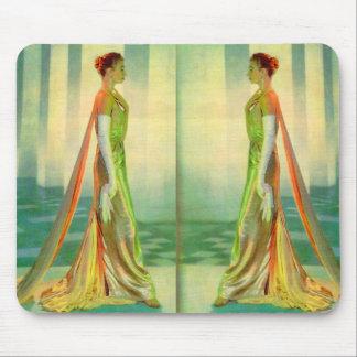 Sechzigerjahre schöne Dame in Abendskleid x 2 Mauspad