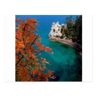 See dargestellte Felsen stützen überlegenes Postkarte