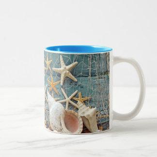 Seestarfish-und Fischer-Netz Zweifarbige Tasse