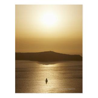 Segeln in den Sonnenuntergang Postkarte