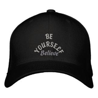 Seien Sie Yourelf u. Believe_ gesticktes Hat_by Bestickte Mützen