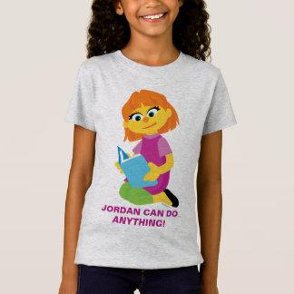 Sesame Street   Julia, die ein Buch liest T-Shirt