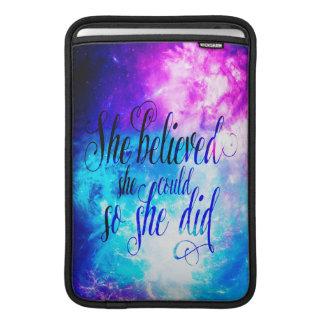 Sie glaubte an den Himmel der Schaffung Sleeve Fürs MacBook Air