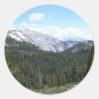 Sierra Nevada-Berge II von Yosemite Runder Aufkleber