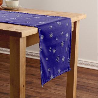 Silberne Schneeflocke Kurzer Tischläufer