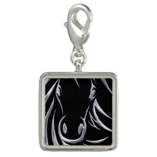 Silberner Pferdekopf auf Schwarzem Foto Charms