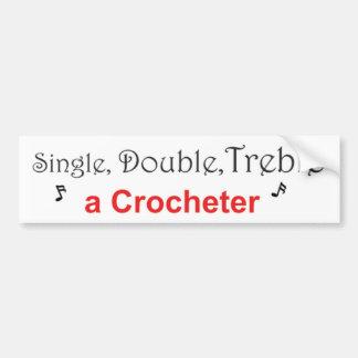 Single, Doppeltes, verdreifachen ein Crocheter Autoaufkleber