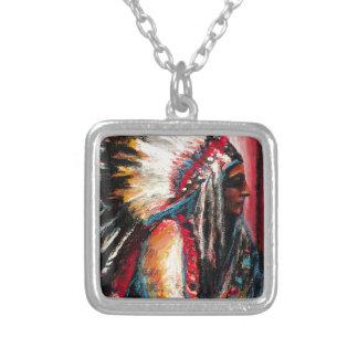 Sitting Bull in der Farbe Halskette Mit Quadratischem Anhänger