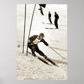 Ski-trägt laufendes Slalom-Skifahren Abfahrtskilau Poster