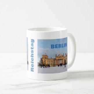 Snowy Reichstag_02.02.T (Reichstag im Schnee) Tasse