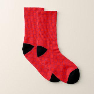 Socken mit klassischem rotem und lila Entwurf