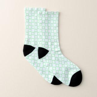 Socken mit klassischem weißem und grünem Entwurf