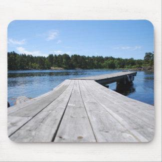 Sommer Idyll auf einem einsamen schwedischen Fjord Mousepads