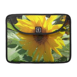 Sonnenblume mit Bienen MacBook Pro Sleeve