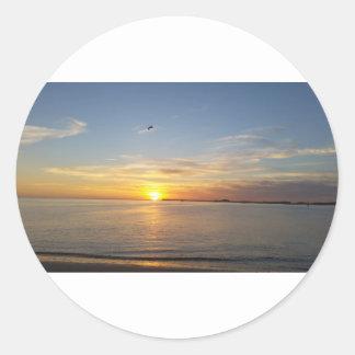 Sonnenuntergang auf Danksagung Runder Aufkleber