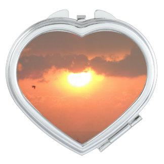 Sonnenuntergang-Herz-Vertrags-Spiegel Taschenspiegel