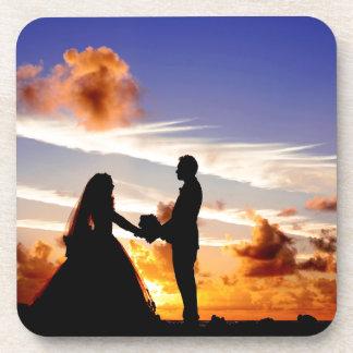 Sonnenuntergang-Hochzeits-Paare Cocktail Untersetzer
