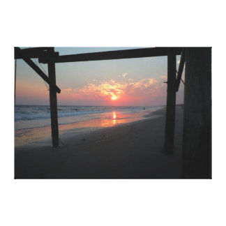 Sonnenuntergang unter dem Pier - Eichen-Insel, NC Leinwanddruck