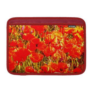 Sonniges Feld des roten Sleeve Fürs MacBook Air