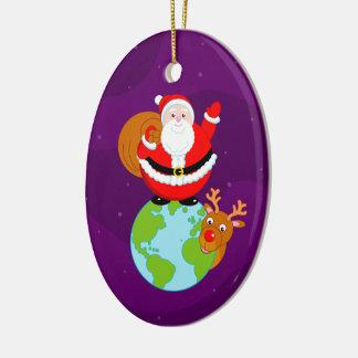 Spaß-Cartoon von Weihnachtsmann stehend auf der Keramik Ornament