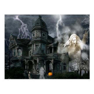 Spuk Haus Halloweens gehen hinaus, während Sie Postkarte