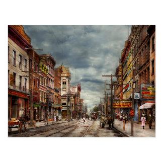 Stadt - NY - der ständig wechselnde Marktplatz Postkarte
