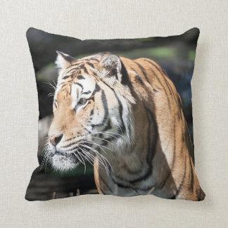 starker Tiger Kissen