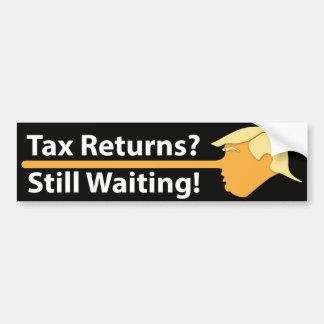 Steuererklärungen? Wartete noch! (auf Schwarzem) Autoaufkleber