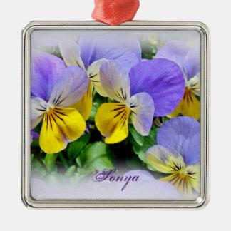 Stiefmütterchen - lila asnd Gelb Quadratisches Silberfarbenes Ornament