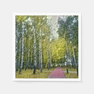 Stilisierte Birken-Bäume, die Papierserviette