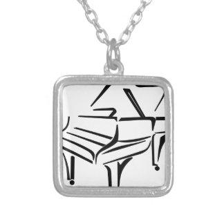 Stilisiertes Klavier Versilberte Kette