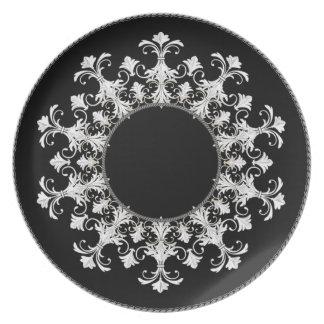 """""""Stilvolle Entwürfe"""" Wreath_Black-White Teller"""
