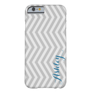Stilvolles Zickzack verblaßtes graues Monogramm Barely There iPhone 6 Hülle