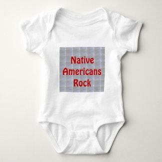 Stolze amerikanische Ureinwohner Baby Strampler