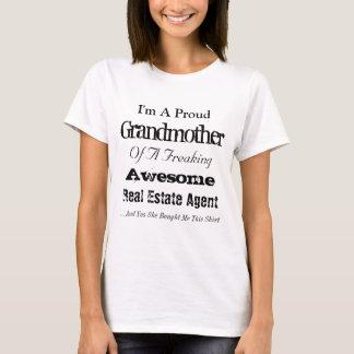 Stolze Großmutter eines wirklichen Anwesen-Agenten T-Shirt