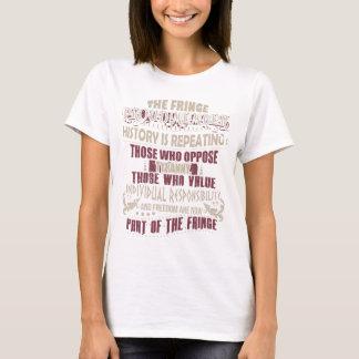 Stolzes Mitglied des Fransen-grundlegenden T-Shirt