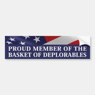 Stolzes Mitglied des Korbes von Deplorables Autoaufkleber