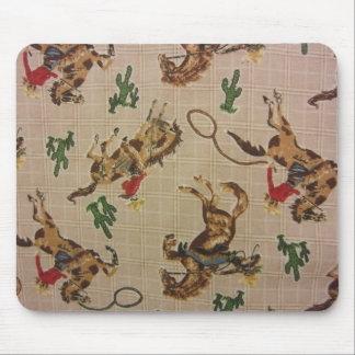 Sträubendes wildes Pferd Mousepad
