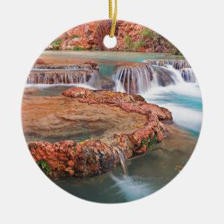 Strom-Wasserfälle Rundes Keramik Ornament