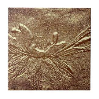 Strukturierte gealterte keramikfliese