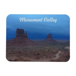 Sturm und Sonnenuntergang im Monument-Tal Magnet