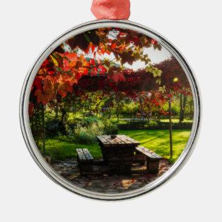 Sun durch Herbst-Blätter, Kroatien Rundes Silberfarbenes Ornament
