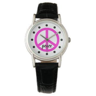 Super rosa Friedenssymbol personalisiert Uhr