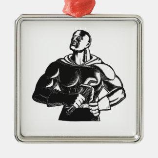 Superheld-Klempner mit Schlüssel-Holzschnitt Quadratisches Silberfarbenes Ornament