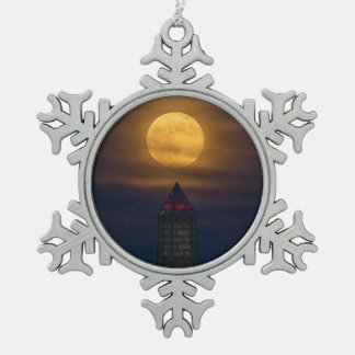 Supermoon über Washington-Monument Schneeflocken Zinn-Ornament