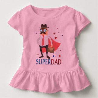 Supervati mit einem niedlichen kleinkinder t-shirt