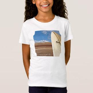 Surfen Sie die Grenze des Surfbrettes 2the, die T-Shirt